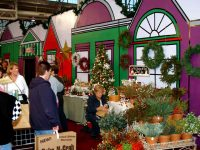 2014's first noel: Discount to Christmas Gift and Hobby Show